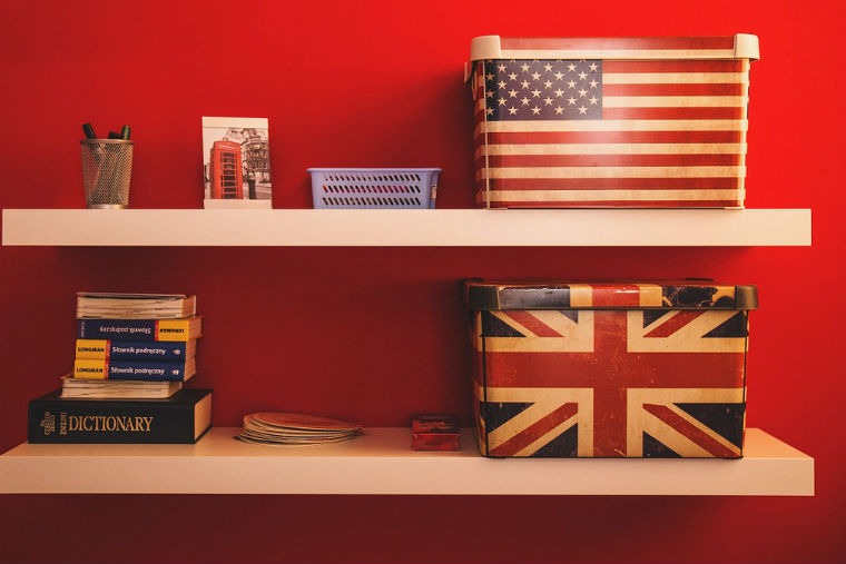 UK-USA book shelves